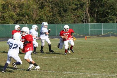 youth football players on the football field